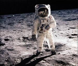 Futur dans l'espace ou futur dans notre quotidien, la science-fiction s'invitent dans les grands journaux
