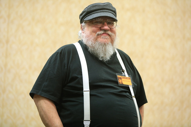 George R.R. Martin rejoint le groupe d'art et de divertissement Meow Wolf